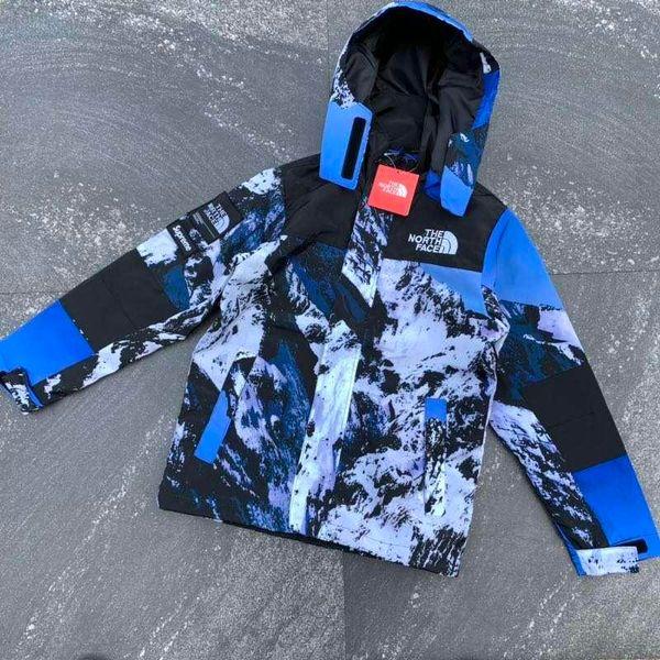 The new men's jacket of 2019, The mountaineering suit has a pattern of snow mountain on it is a little like windbreaker. It has a varie