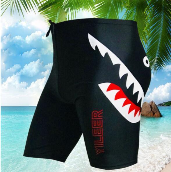 2019 Mens Swimwear Verão Praia Shorts para Mens Designer Underwear Moda Calças Curtas com Padrões Swim Trunks 3 Estilos Plus Size