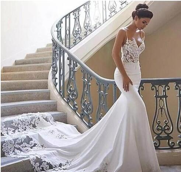 Berta Queda Barato vestidos de noiva sereia Sexy Cintas de Espaguete Ilusão Top Lace Vestido De Noiva Boho País Magro Long Train Backless Praia