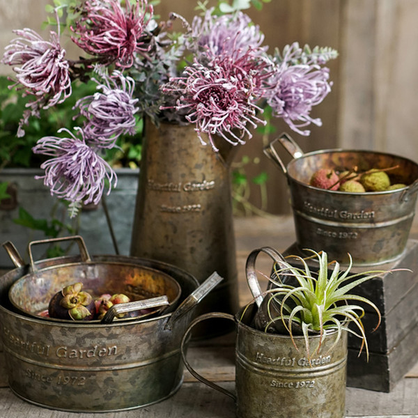 best selling Retro Metal Vase storage box Vintage Decoration Tray With Handles Retro Flower Antique Iron Barrel Fruit Storage Basket