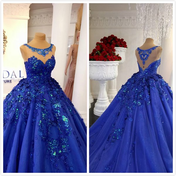 2019 Luxurious Royal Blue Arabic Evening Dresses Sheer Neck Beaded Crystals Prom Dresses Lace Sexy Formal Party Pageant Gowns
