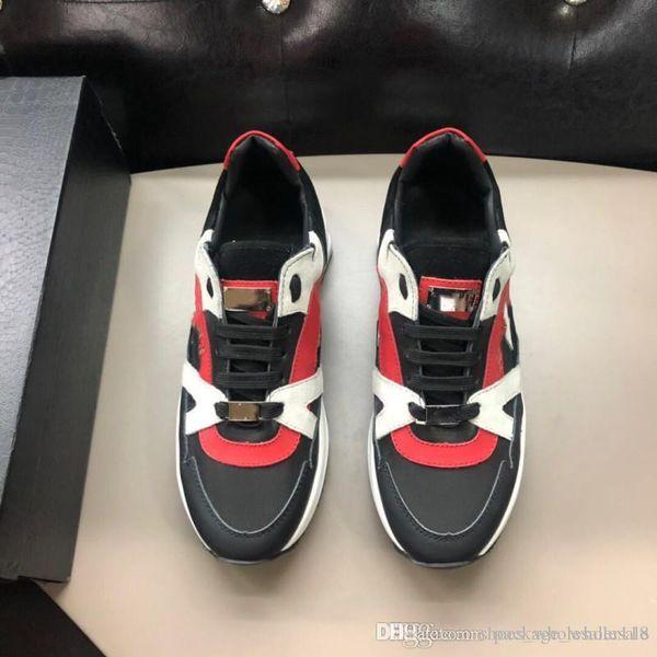 أحذية جلدية للرجال Punk Style Runner ، أحذية PP عادية مزينة بجمجمة معدنية أيقونية لوقت الفراغ مقاس 38-45