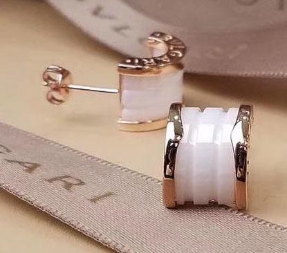 rose gold+white earring