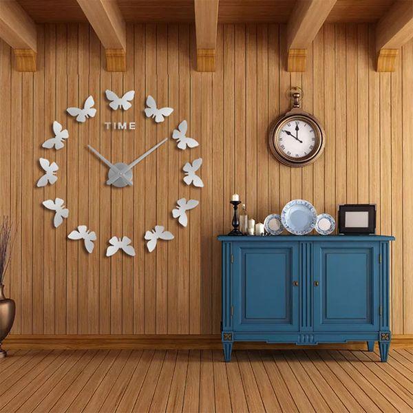 16 pulgadas 2019 Nuevas pegatinas de pared Decoración para el hogar Cartel Diy Europa Acrílico Etiqueta grande 3d Naturaleza muerta Reloj de pared Caballo Mariposa
