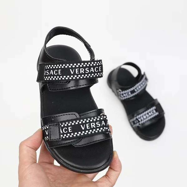 Kind Mädchen schwarze Sandale blauen Buchstaben Muster Strand Hausschuhe Mode Kind Sandale für Jungen Kind Haus Slipper EU 26-35