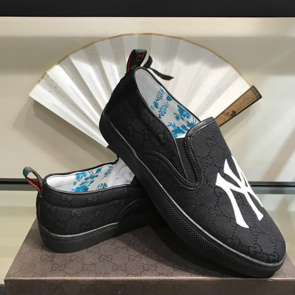 2019r spring new breathable British Lok Fu shoes one foot men's shoes. Fashion sports shoes original box packaging 38-44