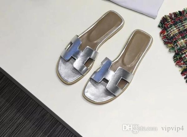 High quality love horse early spring holiday show sandals and slippers brand design summer flat bottom sandals ladies classic women's c