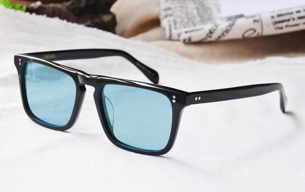 Black frame lente azul