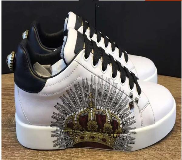 Nouveau - Baskets basses en cuir blanc pour hommes et femmes, chaussures plates de marque de créateurs. Chaussures sport. Luxe. 7957