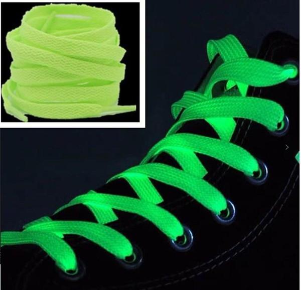 los cordones de los zapatos