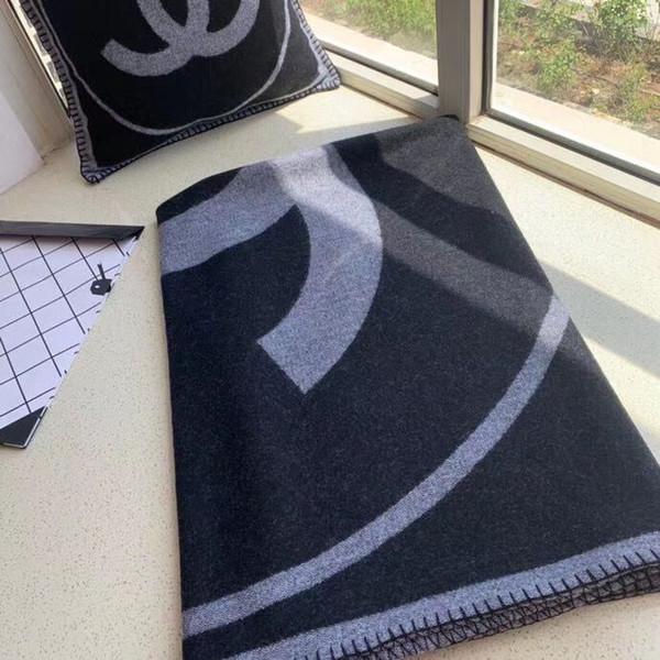 schwarze Decke