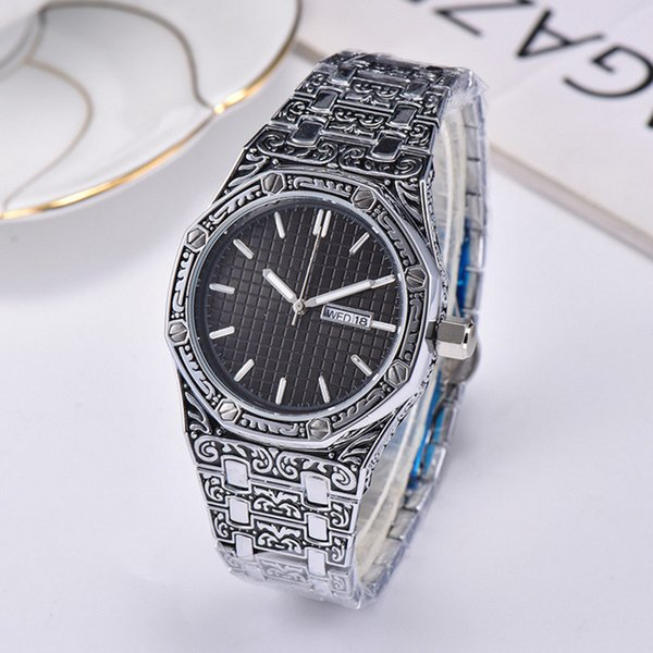 Orologi svizzeri mensili di lusso da uomo Orologio da polso al quarzo con cinturino in acciaio inossidabile Royal Oak intagliato Retro orologio da polso impermeabile di alta qualità