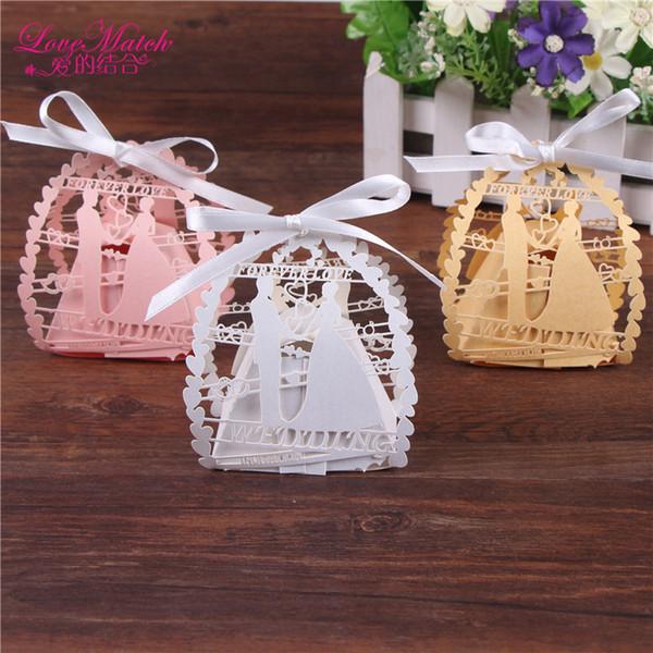 50pcs / lot romántico de novia y del corte del laser de caramelo rectángulo con la cinta favores de la boda y regalos del partido del bolso caramelo Decoración T200115