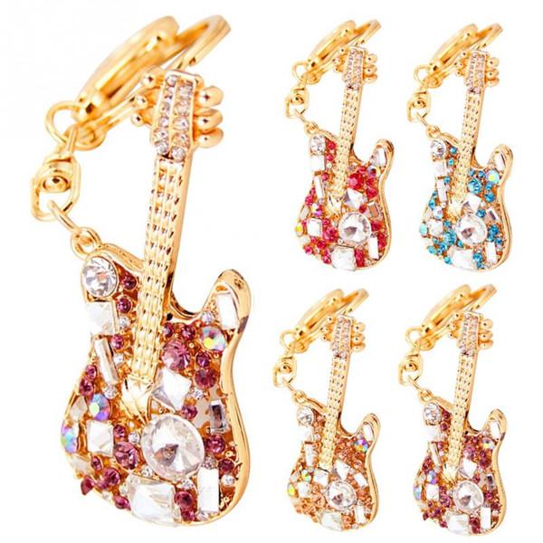 Nueva moda de aleación de diamantes de imitación guitarra eléctrica llavero exquisito bolso decoración