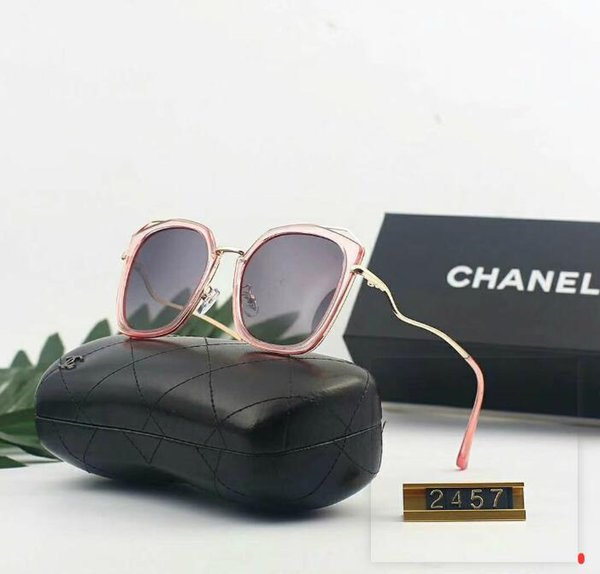 Gafas de sol de lujo Gafas de sol de diseñador Estilo de moda de marea caliente Gafas de sol para mujer Marca Summer Glass UV400 con caja y logotipo opcional
