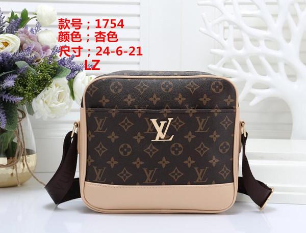 Classic Designer Flap Bag Womens Chain Bag Ladies Shoulder Bag High Quality Handbag Fashion Designer Purse Shoulder Messenger Bags wallet 01
