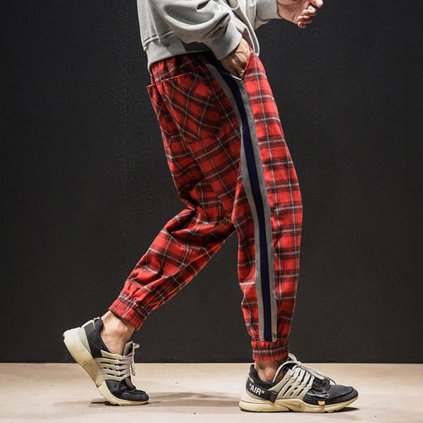 Moda coreana High Street Pantalones oscuros Hombres Plaid Rayas Verde Rojo Gris Streetwear Pantalones Hombres High Street Mens Joggers Pantalón