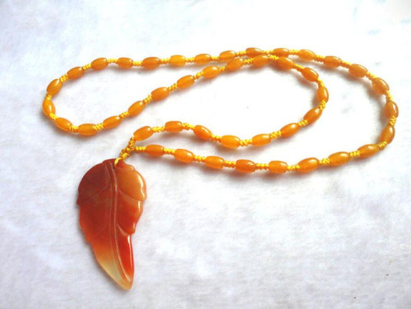 Natural huanglongyu Leaf Pendant Ruyi Passepartout descendants of royal families of maple leaf sweater chain necklace pendant