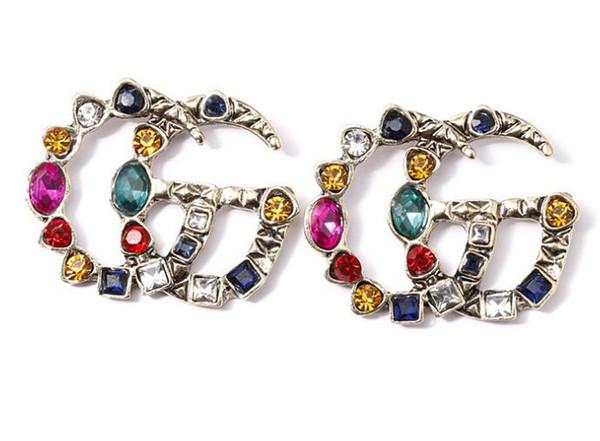 Femme boucles d'oreilles fashion Dangle Lustre Designer personnalité personnalité fille accessoires aiguille boucles d'oreilles perle boucles d'oreille usine directe 002