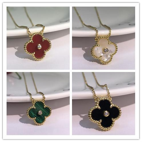 best selling 2019 Fashion Jewelry Necklace Black and White Red Green Four Leaf Flower Shell Agate 925 Silver Necklace diamond clover Buckle