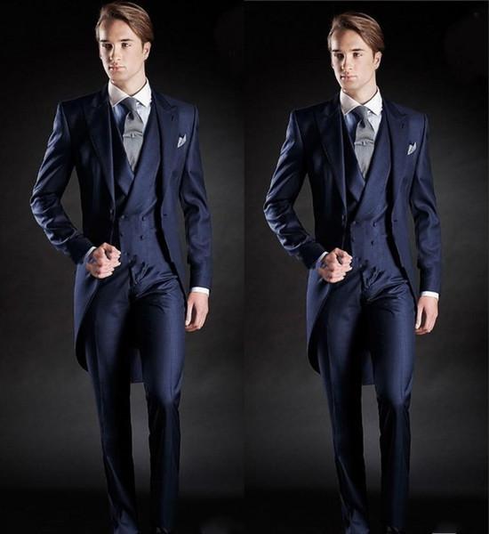 Tuta da uomo stile marinaro Slim Fit Tinta unita Abito da uomo blu scuro Groomsman / Abiti da sposa / prom per uomo (giacca + pantaloni + gilet)