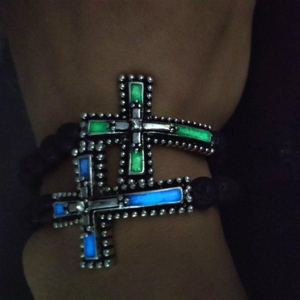 2019 Charm Bracelet Natuaral Lava lumineux Croix de pierre Vintage Phosphorescent Bracelet noir Perle Fluorescence Femmes Hommes Bijoux