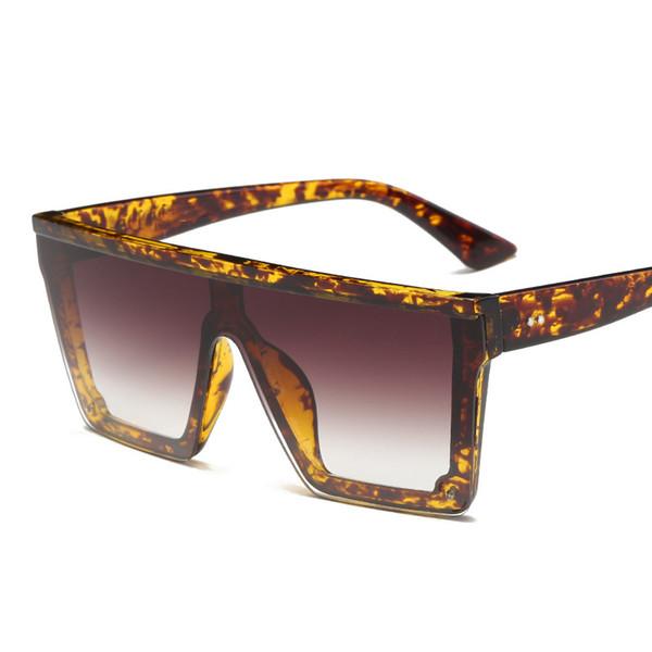 C4 marrone leopardo