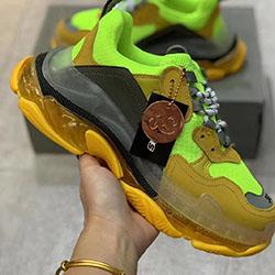 Designer Triple S Casual Shoes Men Green Triple S Sneaker Women Leather Casual Shoes Low Top Lace-Up Casual Flat Shoes With Clear Sole mer09