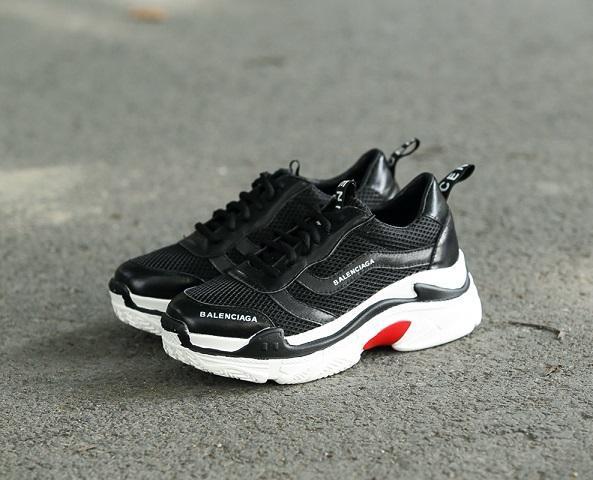 2019 novos esportes quentes sapatos sapatos casuais mais recentes modelos de malha respirável desigher mulheres marca de Outdoor meninasneakers Balenciaga