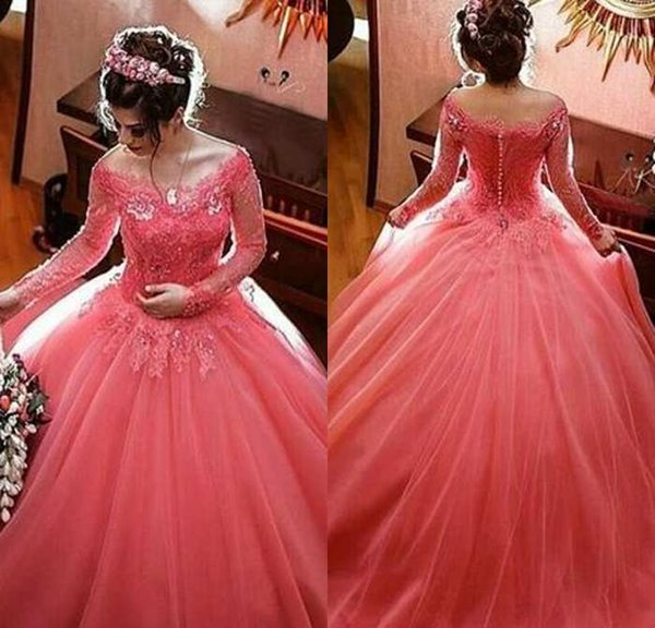 Şık Mercan Quinceanera Modelleri Uzun Kollu Balo Kapalı Omuz vestidos de 15 Anos Dantel Aplikler Robe De Bal Kat Uzunluk