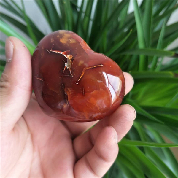 Wholesale Polished Beautiful Carnelian Natural Red Agate Healing Crystal Heart For Home Decoration