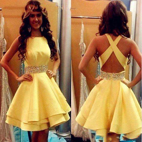 Sexy Amarelo Vestidos de Baile Curto 2019 Meninas De Cetim Frisado Fita Vestidos de Cocktail Criss Cross Barato Júnior Vestidos de Formatura Homecoming
