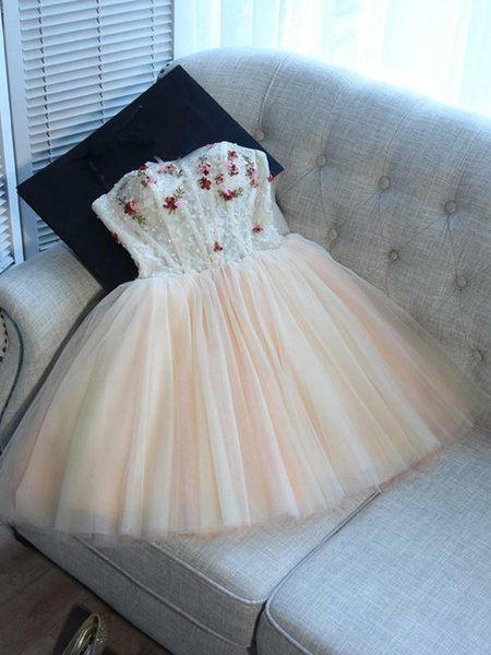 Compre Strapless A Line Beige Pink Lace Up Vestidos De Baile Mini Corto Con Flores 3d Abalorios Vestidos Formales Para Jóvenes Falda Mullida Vestido