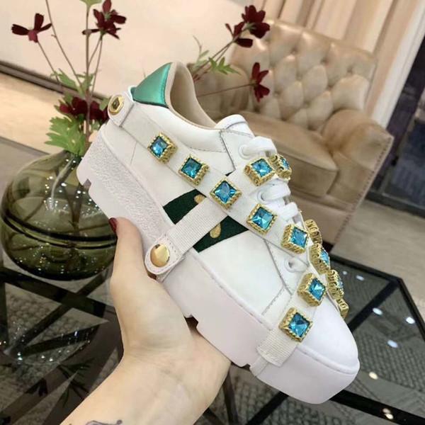 Nuove scarpe da donna firmate Ace, cinturini bianchi, scarpe sportive per il tempo libero da donna, strisce verdi e rosse ricamate con perle serpente e tigre 35-40