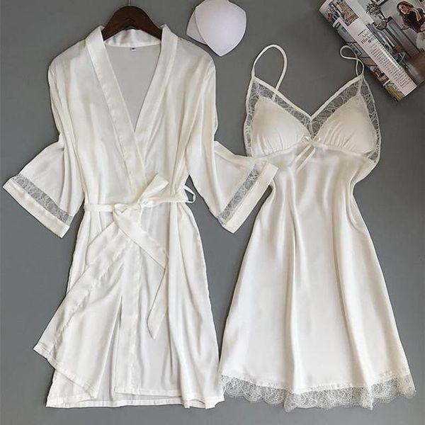 Beyaz Robe