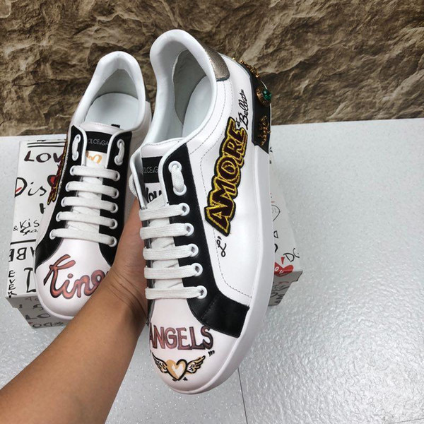 2019j new luxury men's leather casual shoes, tide brand fashion wild outdoor sports shoes, original packaging delivery