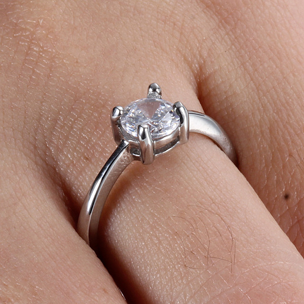 Titanium Steel Ornaments Hearts And Arrows Zircon Rings Fashion Stainless Steel 6mm White Crystal Couple Engagement Rings