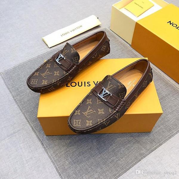 2019 NOUVEAU Designers marque chaussures décontractées pour hommes chaussure en cuir de vachette Slip-on Mocassin bouton en métal costume chaussure pour homme Zapatillas 38-45