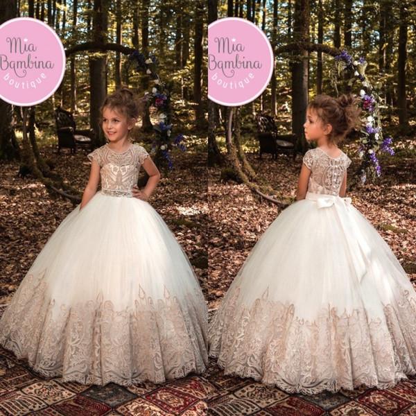 Новый дизайн милые девушки театрализованное платье бальное платье кружева аппликация кристаллы с бантом створки длиной до пола милое платье девушки цветка BA7745