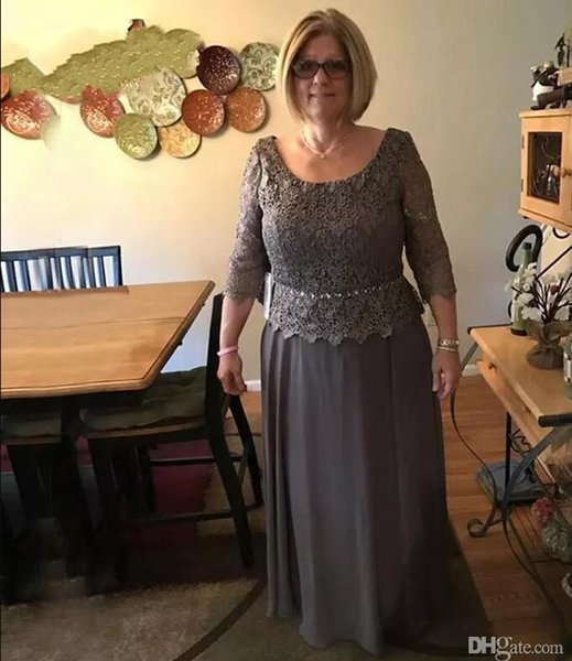 Modest Dark Gray Mother Of Bride Groom Dresses Beach A line Scoop Neckline Long Sleeve Appliqued Mother Evening Gowns Plus Size