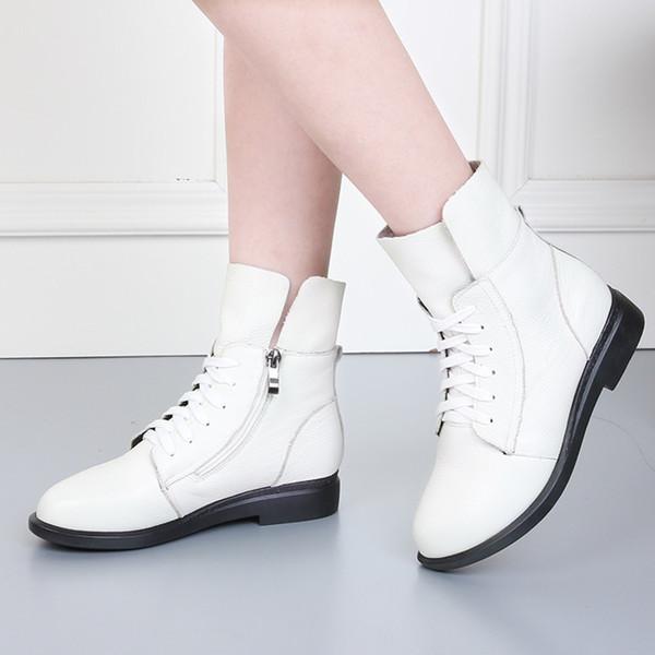 Vente chaude-2019 nouvelles bottes courtes femmes plus velours chaud bottes de coton plates bottes en cuir dentelle chaussures pour femmes Martin.