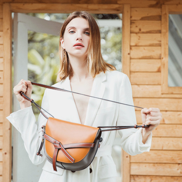 2019 European and American style boutique new fashion women retro saddle bag cross bag leather leather women's handbag