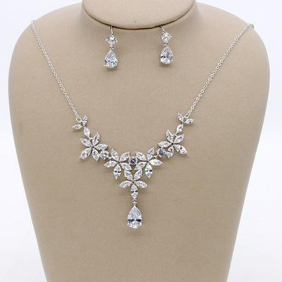 European new flower zircon earrings necklace set / boutique high-end bridal wedding jewelry / into the store to choose more styles