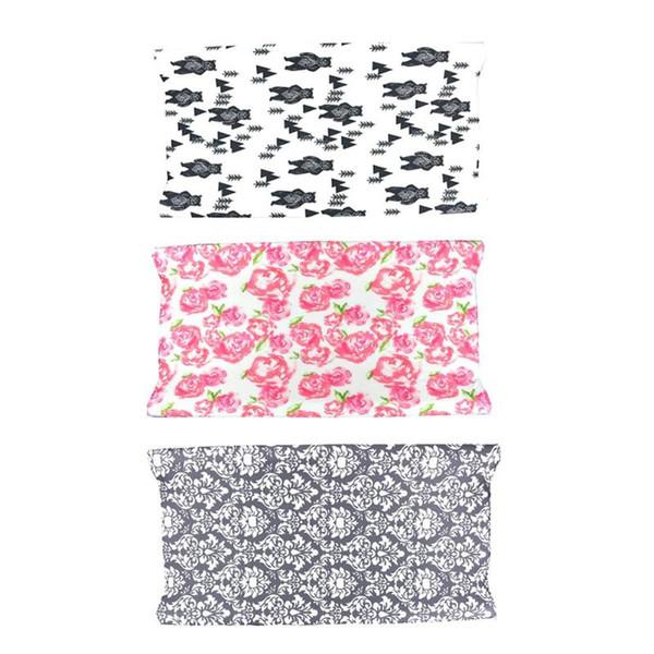 Bebé Pañales que cambian las almohadillas de la mesa cubren la suave sábana de la cuna de la cuna suave