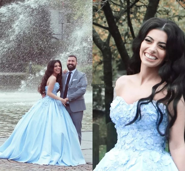 Sky Blue Quinceanera Dresses Sweetheart Applique Beaded Satin Fresh Ball Gown Sweet 16 Prom Party Gowns