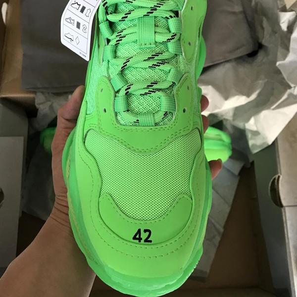 Con scatola 2019 New Fashion Triple S Designer Scarpe papà Migliore qualità Triple-S Zapatos Verde scuro Chiaro Suola Uomo Donna Scarpe casual Sport A24