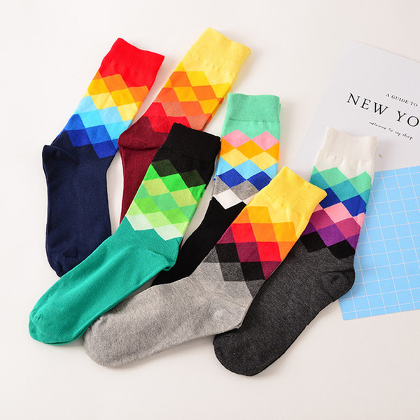 top popular Autumn Winter European Brand Fund Funny Happy Novelty Men Cotton PULL Directly Plate Man High Canister Motion Socks 2021