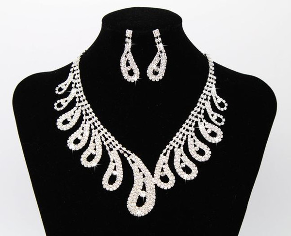 The latest best selling bridal jewelry necklace earrings set claw chain rhinestone birthday party dinner dress with jewelry free shipping