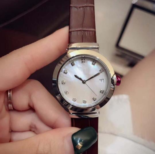 33MM Joker Womens Watches Quartz Ladies Watch Coffee Leather Band Mother Of Pearl Dial Diamond Hour Markers Round Case