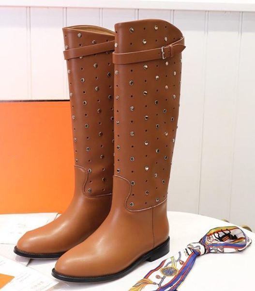 Stivali europei da donna in pelle di lusso rivetti stivali da cavaliere piatti stivali Martin piatti con scarpe fatte a mano